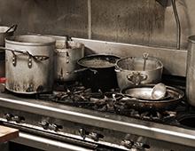 vieze keuken potten pannen 220 x 170