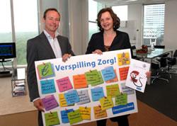 Betaalbare zorg Bart Combee met minister Schippers tegen verspilling in de zorg