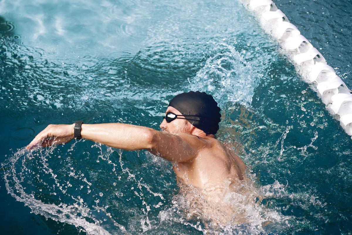 fitbit-waterafstotend-zwemmen