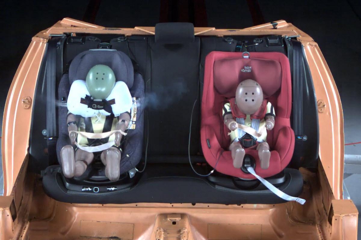 autostoeltjes-botsing-van-voren