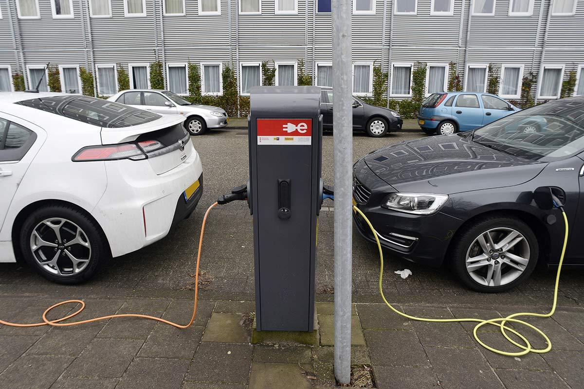 Elektrische Auto Verzekeren Niet Altijd Duurder I Consumentenbond