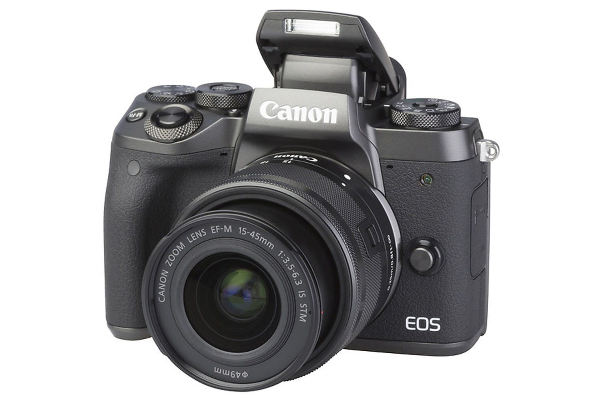 canon-eos-m5-met-ef-m-15-45mm-135-63-is-stm-extra-large (2)