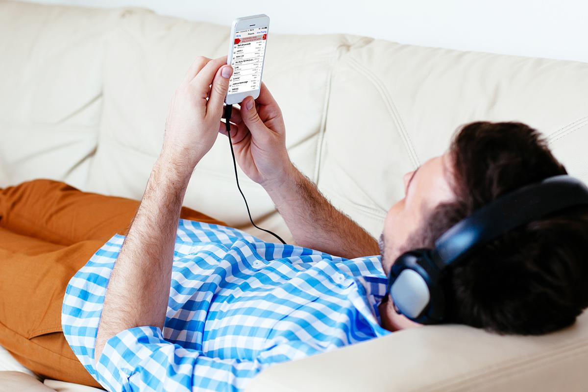 Home wat is online muziek luisteren