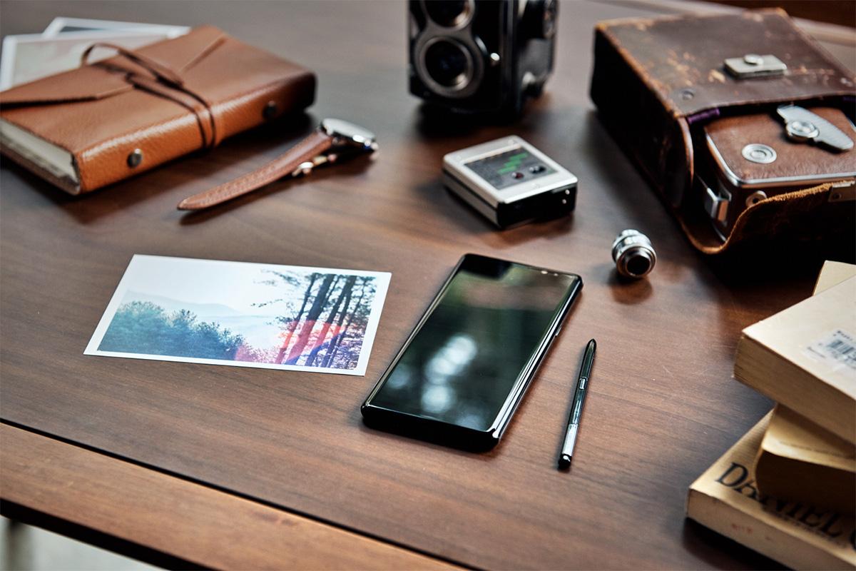 Galaxy-Note8-bureau