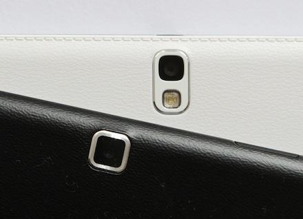 Samsung Galaxy Tab 4 op Galaxy Tab Pro toont verschil in uiterlijk en het stiksel van de Tab Pro