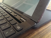 Microsoft Universal Mobile Keyboard - schuifknop