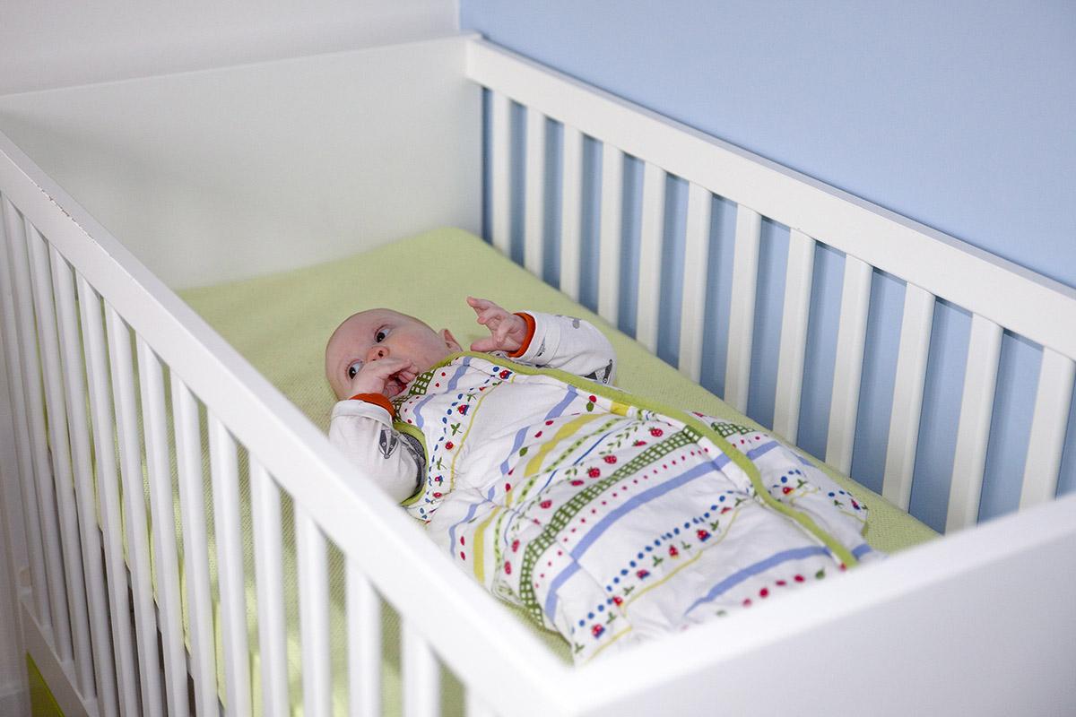 Deken Baby Ledikant.Slaapzak Of Trappelzak Waar Let Je Op Consumentenbond